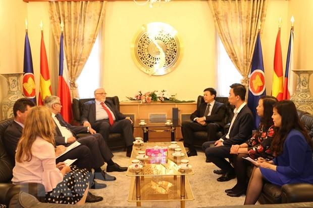 Le Vietnam et la Republique tcheque encouragent la cooperation economique hinh anh 1