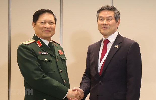 Activites du ministre vietnamien de la Defense au 18e Dialogue de Shangri-La hinh anh 1