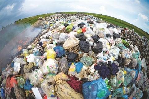 Il parcourt le pays pour photographier les sites pollues hinh anh 3