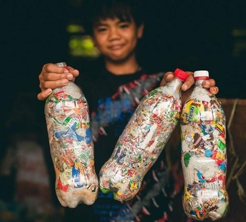 Environnement : Vo Trong Dinh avec un projet pour l'environnement Ecobricks hinh anh 2