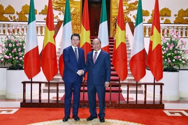 Le PM italien Giuseppe Conte acheve sa visite au Vietnam hinh anh 1