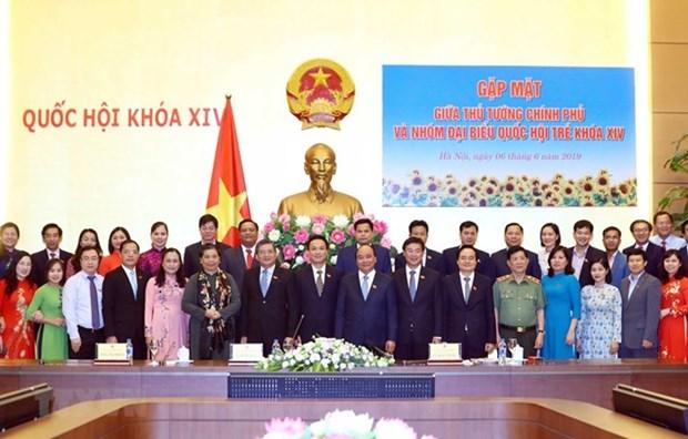 Le Premier ministre salue le role des jeunes parlementaires hinh anh 1