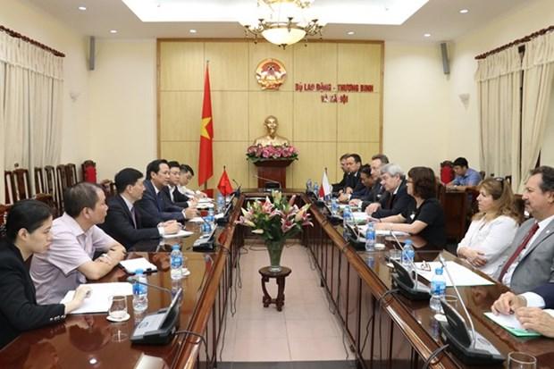 Le Vietnam et la Republique tcheque forgent leur cooperation dans le domaine du travail hinh anh 1