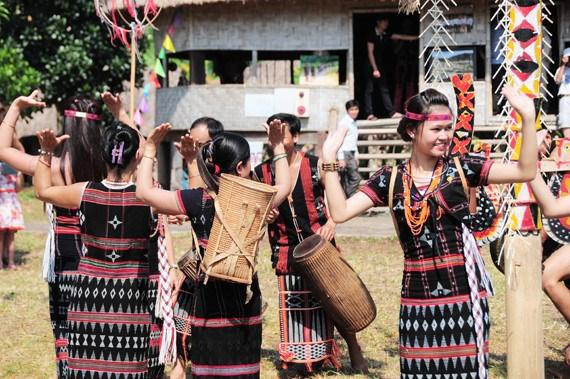 Au rythme des percussions Co Tu a Quang Nam hinh anh 2