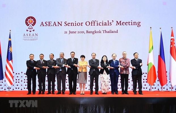 Le Vietnam participe a la reunion des hauts officiels de l'ASEAN en Thailande hinh anh 1