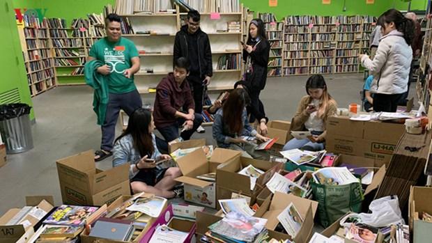 """""""Vietnam Book Drive for Kids"""" stimule le gout de la lecture chez les enfants hinh anh 2"""