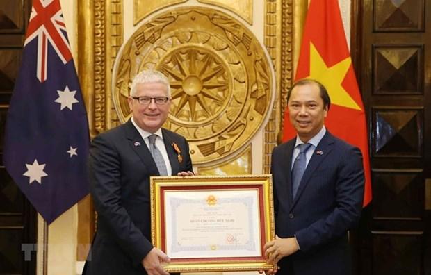 L'ambassadeur sortant d'Australie au Vietnam mis a l'honneur hinh anh 1