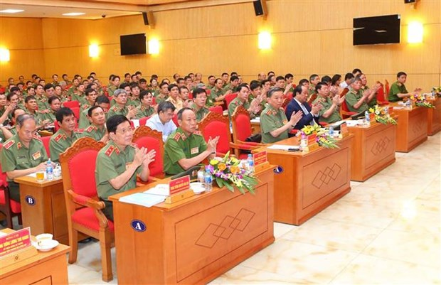 Le PM assigne des taches aux forces de securite publique hinh anh 2