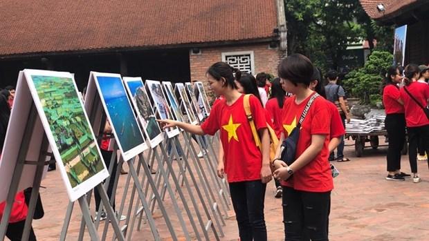 Ouverture d'une exposition de photos sur l'ile de Ly Son hinh anh 1