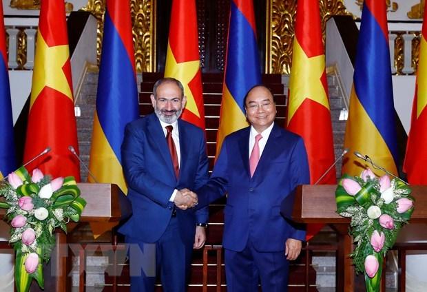 Entretien entre les Premiers ministres vietnamien et armenien hinh anh 1