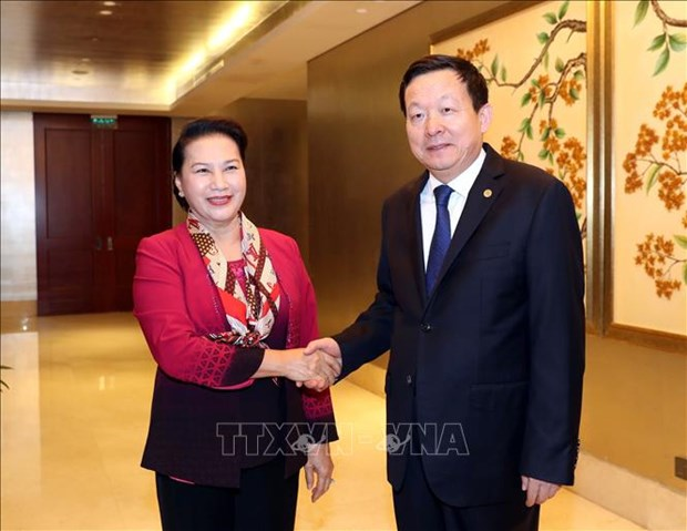 La presidente de l'AN du Vietnam rencontre un dirigeant du Suzhou hinh anh 1