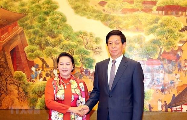 La presidente de l'AN du Vietnam s'entretient avec son homologue chinois hinh anh 1