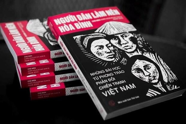 Lancement de la version vietnamienne du livre du mouvement anti-guerre du Vietnam hinh anh 1