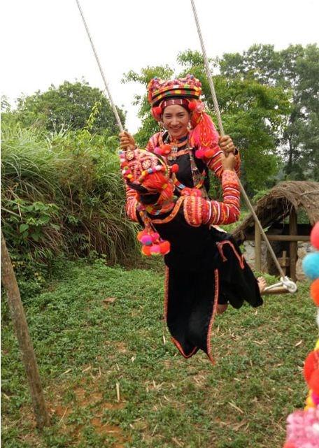 Dans le Nord, les Ha Nhi se balancent pour celebrer la saison des pluies hinh anh 3