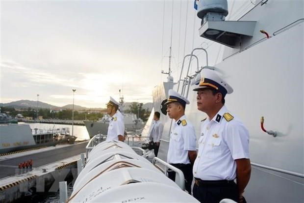 La fregate de la marine vietnamienne debute sa visite en Russie hinh anh 1