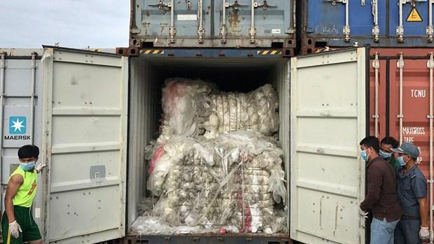 Le Cambodge sanctionne un importateur de dechets plastiques hinh anh 1