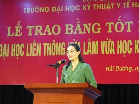 Hai Duong: remise du diplome universitaire d'ergotherapie hinh anh 1