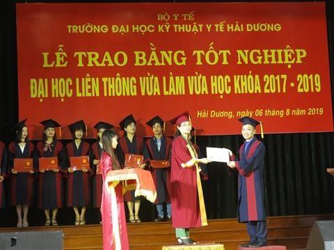 Hai Duong: remise du diplome universitaire d'ergotherapie hinh anh 2