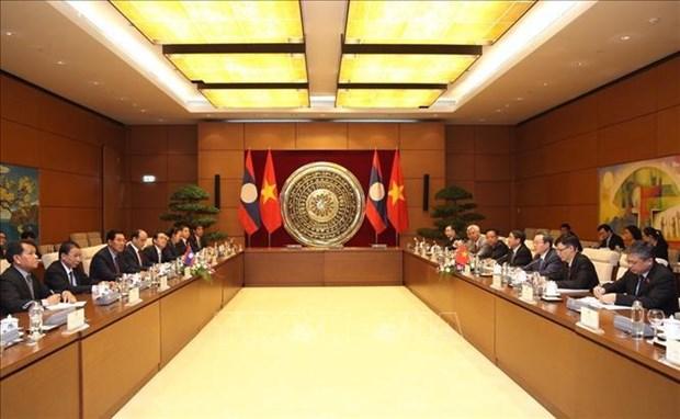 Renforcement des relations entre les deux organes legislatifs Vietnam-Laos hinh anh 1