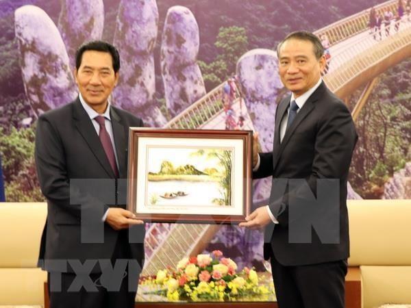 Le vice-president de l'AN du Laos en visite a Da Nang hinh anh 1