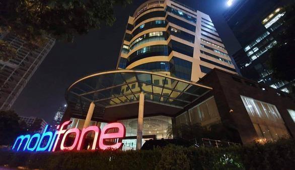 Cinq autres responsables de Mobifone poursuivis pour corruption hinh anh 1