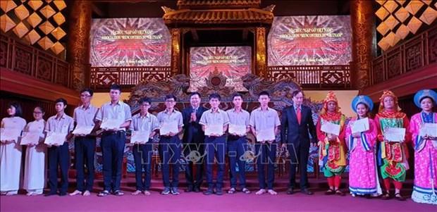 Bourses d'Odon Vallet aux etudiants de Thua Thien Hue hinh anh 1