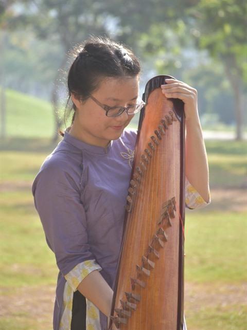 Quynh Nhi, la musique traditionnelle adoucit les mœurs hinh anh 1