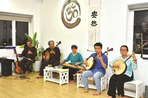 Quynh Nhi, la musique traditionnelle adoucit les mœurs hinh anh 2
