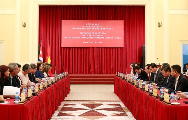 Le Vietnam cherit ses relations de solidarite fraternelle avec Cuba hinh anh 1