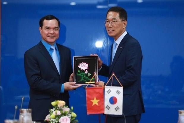 Le Vietnam et la Republique de Coree renforcent leur cooperation syndicale hinh anh 1