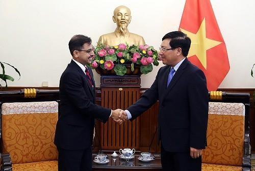Le vice-PM Pham Binh Minh recoit le nouvel ambassadeur d'Inde hinh anh 1