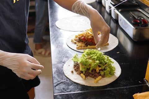 Le tacos francais debarque a Hanoi hinh anh 2