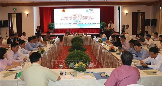 Forum sur la situation socio-economique du Vietnam en 2019 a Hue hinh anh 1