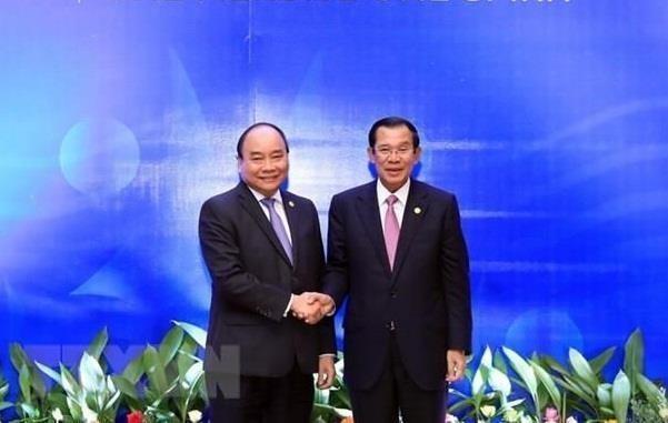 Le PM Hun Sen au Vietnam pour renforcer davantage les liens hinh anh 1