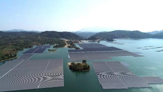 Energie solaire flottante: le Vietnam prevoit de realiser le plus grand projet en Asie du Sud-Est hinh anh 1