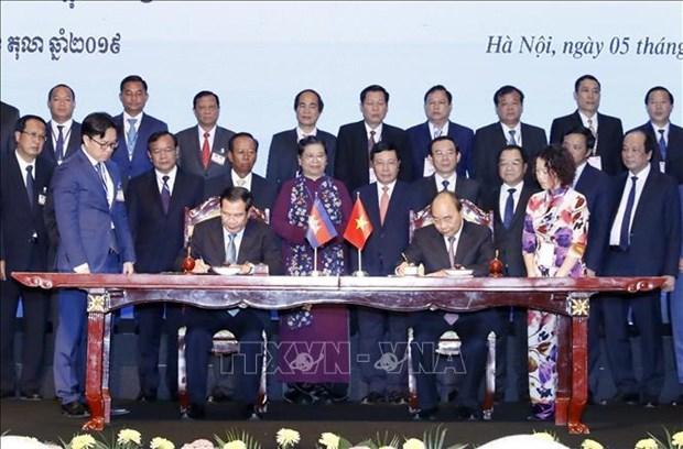 Cambodge : les journaux apprecient la derniere visite du PM au Vietnam hinh anh 1