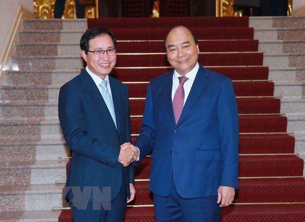 Le PM Nguyen Xuan Phuc s'engage a soutenir Samsung Vietnam hinh anh 1