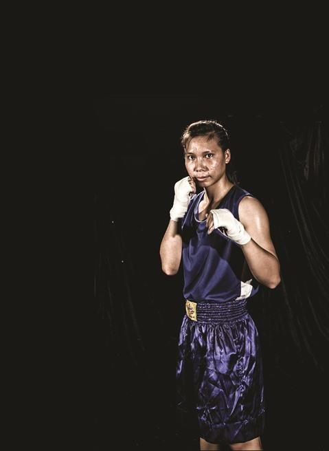 Ha Thi Linh, la premiere boxeuse professionnelle vietnamienne hinh anh 1