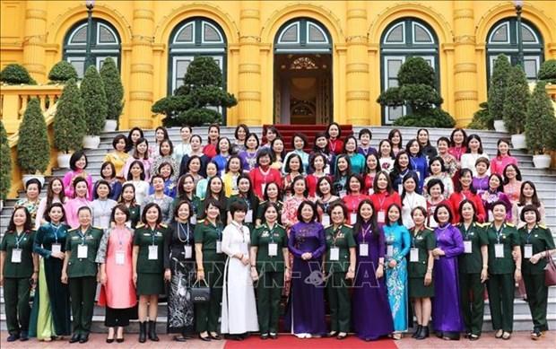 Les Vietnamiennes participent activement au developpement social et economique hinh anh 1