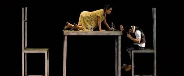 Theatre : Oncle Vania d'Anton Tchekhov fait peau neuve a Hanoi hinh anh 1