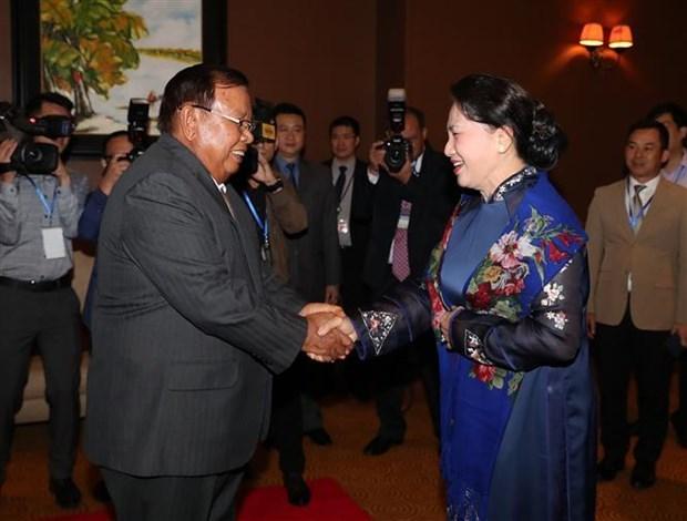 La presidente de l'AN du Vietnam rencontre le president lao hinh anh 1