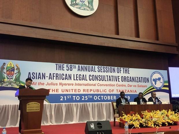 Le Vietnam souligne le multilateralisme a l'AALCO hinh anh 1