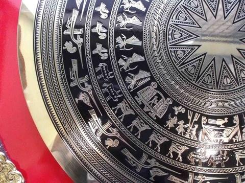 Lecture des gravures sur les tambours de bronze hinh anh 1