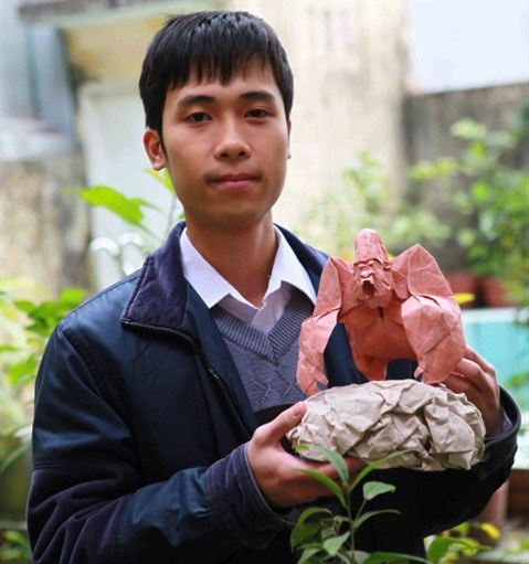 L'origamiste Nguyen Hung Cuong, une reputation a l'international hinh anh 1