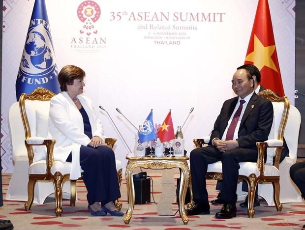 Le PM rencontre des dirigeants en marge du 35e Sommet de l'ASEAN hinh anh 3