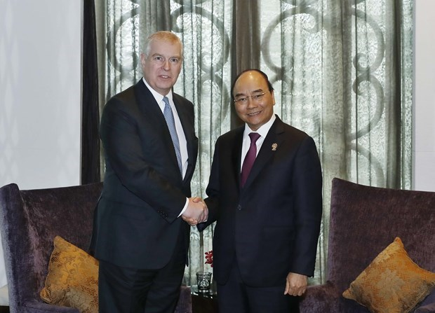 Le PM rencontre des dirigeants en marge du 35e Sommet de l'ASEAN hinh anh 4