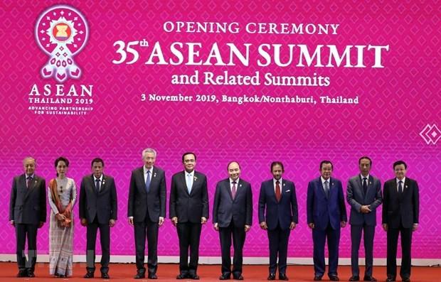 Le 35e Sommet de l'ASEAN s'acheve, le Vietnam assume la presidence hinh anh 1