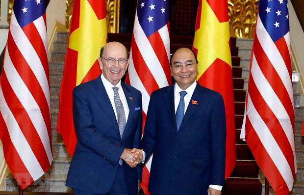 Le Premier ministre Nguyen Xuan Phuc recoit le secretaire americain au Commerce hinh anh 1