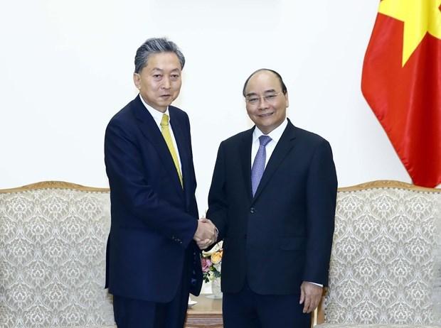 Le PM recoit le president de l'Institut de la communaute d'Asie de l'Est hinh anh 1