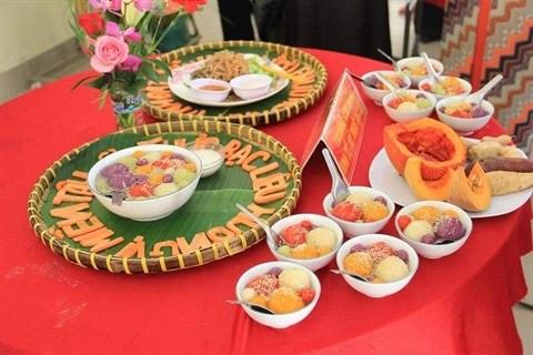 Un tourbillon de savoir avec le Festival des gateaux populaires du Sud occidental hinh anh 1